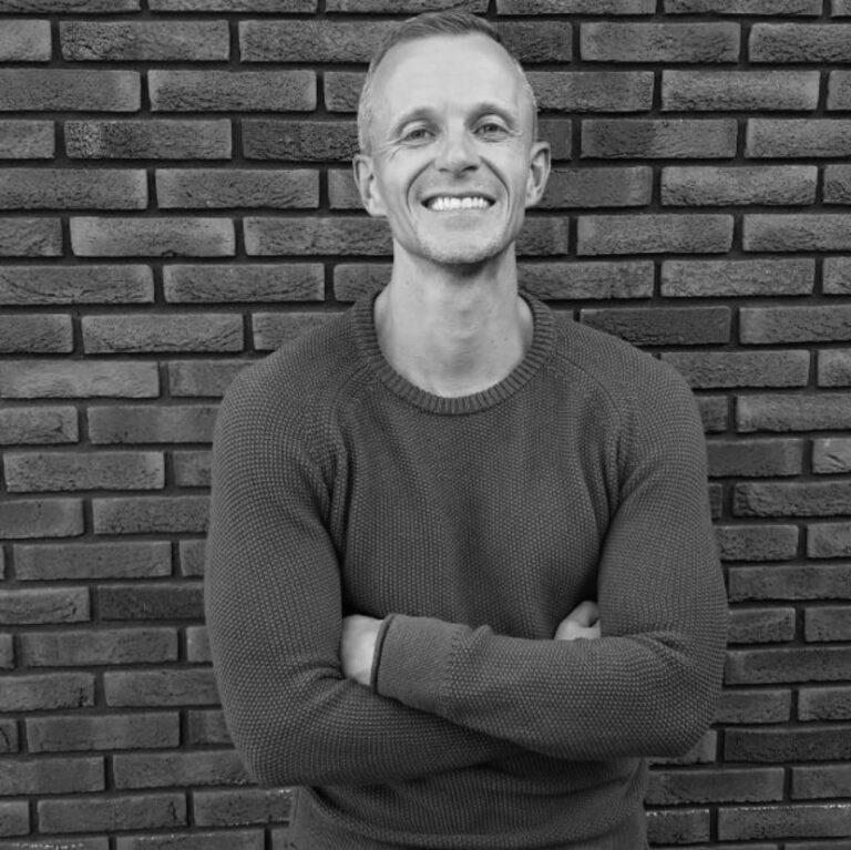 Dennis van Leeuwen1